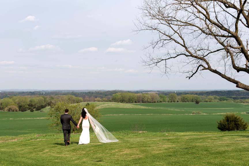 Vennebu Hill Weddings And Event Barn In Wisconsin Dells
