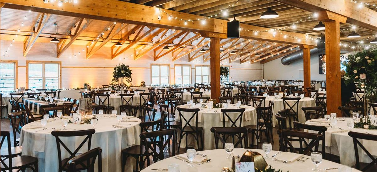 Vennebu Hill | Wisconsin's NEW Wedding Barn & Event Venue
